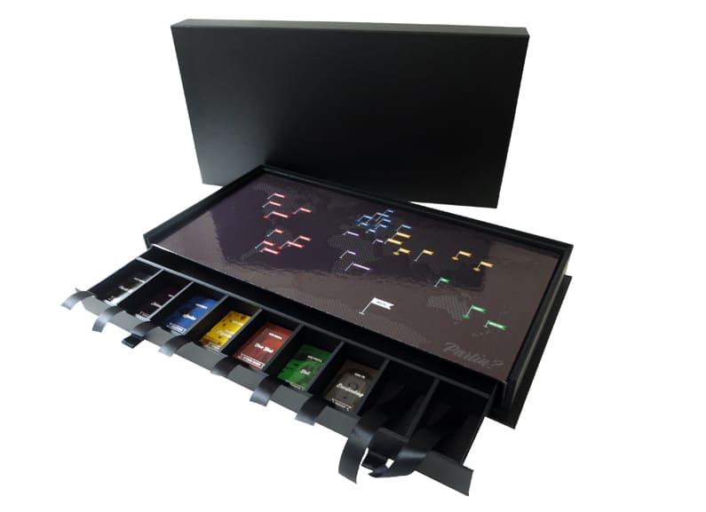 Caixa com gavetão e divisórias para peças de um jogo [GA007]