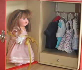 Boneca do tempo da mala armário (Célia Ribeiro)