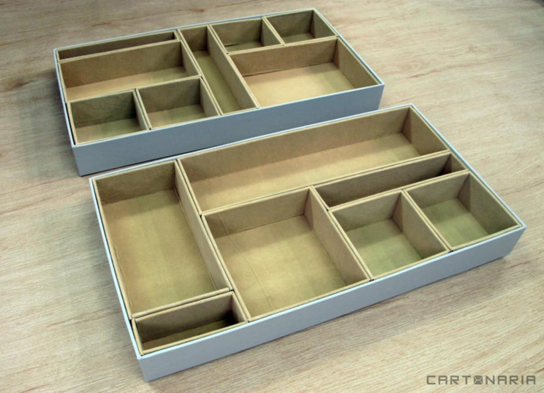 Caixa para closet com veludo por dentro e divisorias [CA233]