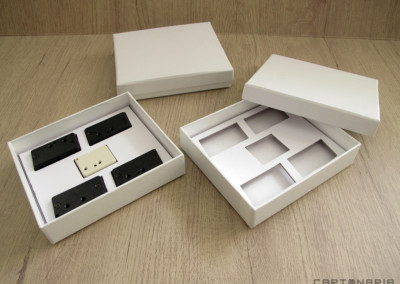 Brinde SA (caixa com espaços especiais para peças) [CA234]